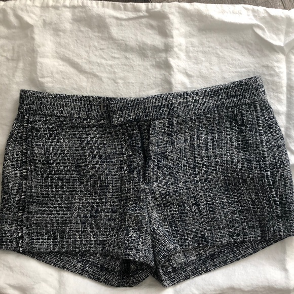 Banana Republic Pants - Banana republic navy textured shorts